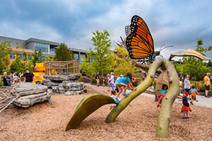 Omaha's Henry Doorly Zoo & Aquarium Robert B. Daugherty Education Center